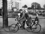 Scherl Süddeutsche Zeitung Photo - Family-Bicycle in the 30s Fotografická reprodukce
