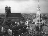 Frauenkirche and New Town Hall in Munich Prints by Scherl Süddeutsche Zeitung Photo