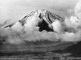 Mount Fuji in Japan, 1930's Fotografisk trykk av Scherl Süddeutsche Zeitung Photo