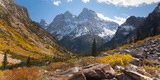 A High Canyon in Fall Foliage and Early Snow, and Snow Covered Peaks Opspændt lærredstryk af Greg Winston
