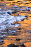 Scenic of Moving Water Reflecting Sunlit Canyon Walls, Colorado Lærredstryk på blindramme af Kate Thompson