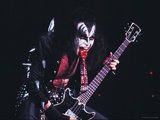 KISS - Gene Simmons Blood 1973 キャンバスプリント :  Epic Rights