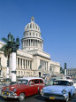 Vintage Cars and Capitol Building, Havana, Cuba Photographie par Steve Vidler