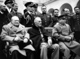 WWII Allies 3 Power Conference with Churchill, Roosevelt, Stalin, and their Aides at Livadia Palace Reproduction photographique sur papier de qualit