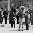 The Salvation Army Band Playing Their Instruments on the City Street Photographie par Bernard Hoffman