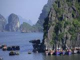 Ha Long (Ha-Long) Bay, Unesco World Heritage Site, Vietnam, Indochina, Southeast Asia