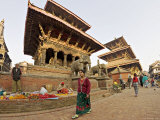 Market Stalls Set out Amongst the Temples, Durbar Square, Patan, Kathmandu Valley, Nepal