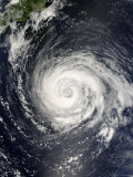 Typhoon Fitow Approaching Japan