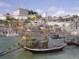 Douro River and Old Town, Porto (Oporto), Portugal, Europe