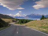 Road Leading to Mount Cook National Park, Mount Cook, Southern Alps, Canterbury, New Zealand