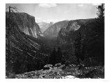 Yosemite National Park, Yosemite Valley Entrance Photograph - Yosemite, CA