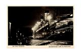 Cuxhaven, Hafen Steubenhoft, Amerikadampfer Nachts