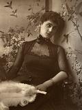 Mary Moore, British Actress, 1886