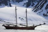 Norway, Spitsbergen, Magdalena Fjord, Sailing Ship