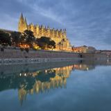 Spain, Majorca, Catedral De Palma De Majorca, Water