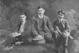 'Three Soldier Brothers', c1913, (1917) Valokuvavedos tekijänä Unknown,
