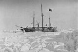 'The Fram in the Ice'. 1895, (1897) Valokuvavedos tekijänä Unknown,