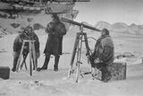 'Observing The Eclipse of the Sun', 6th April 1894, 1897 Valokuvavedos tekijänä Unknown,