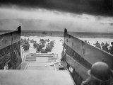 American Troops on Omaha Beach During D Day Invasion of Normandy Fotografisk tryk