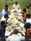 The Families of Tally and Cornell Adams Come Together for Sunday Dinner Fotografisk trykk av John Dominis