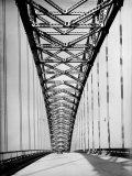 View Along the Bayonne Bridge プレミアム写真プリント : マーガレット・バーク=ホワイト