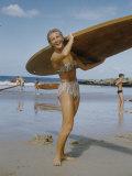 Australian Surfer Girl Fotografisk trykk av John Dominis
