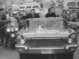 Richard M. Nixon and His Wife During the GOP Campaigning Fotografisk tryk af Al Fenn