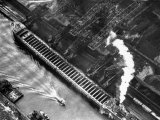 Aerial View of Pittsburgh Steamship Co. Ship Carrying Ore to Us Steel Plant Reproduction photographique par Margaret Bourke-White