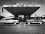 Drive-In-Restaurant, in Los Angeles Suburb Fotografisk tryk af Loomis Dean