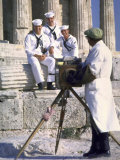 US Sailors Taking Photo at Greek Ruins Fotografisk trykk av John Dominis