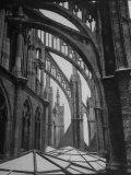 Exterior View of Amiens Cathedral Impressão fotográfica por Nat Farbman