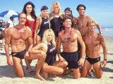 Cast of Syndicated Tv Series Baywatch Filming an Episode in Huntington Beach, Ca Lámina fotográfica prémium por Mirek Towski