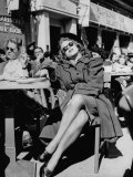 People Sitting at the Sunlight Sidewalk Cafe Reproduction photographique
