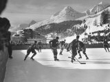 US Hockey Team Playing the Swiss at the Winter Olympics Fotografisk tryk