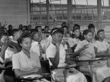 African-American Students in Class at Brand New George Washington Carver High School 写真プリント : マーガレット・バーク=ホワイト