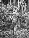Australian Soldiers Patrolling the Jungle at Singapore before the Japanese Invasion Lámina fotográfica por Carl Mydans