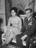 The Shah of Iran Mohamed Reza and His Financee Farah Diba Fotografisk tryk af Loomis Dean