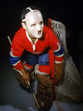 Jacques Plante, Goalie of the Montreal Canadiens Wearing a Mask Premium fotografisk trykk