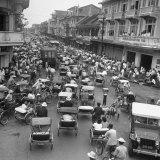Traffic in Bangkok Impressão fotográfica por Dmitri Kessel