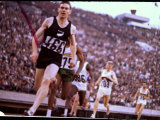 New Zealand's Peter Snell in Action at the Summer Olympics Premium fotoprint van John Dominis