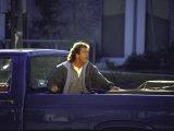 """Actor Mel Gibson Shooting Scene from Film """"Lethal Weapon 3"""" Premium fotografisk trykk av Mirek Towski"""