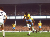 Soccer Star Pele in Action During World Cup Competition Reproduction photographique Premium