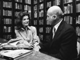Jacqueline Kennedy Onassis and Boss Thomas H. Guinzburg at Viking Press Premium Photographic Print by Alfred Eisenstaedt