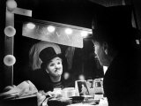 "Actor Charlie Chaplin Looking Putting on Makeup for Role as Animal Trainer in Film ""Limelight"" Premium fotografisk trykk av W. Eugene Smith"