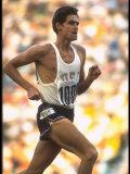 US Track Athlete Jim Ryun in Action at the Summer Olympics Premium fotografisk trykk av John Dominis
