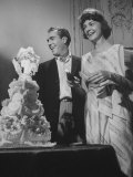 Jason Robards Jr. and Lauren Bacall Cutting the Cake at their Wedding Reproduction photographique Premium par Ralph Crane