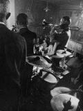 West Coast Jazz 'Kid' Ory Edward, Playing Jazz with a Band Premium fototryk af Loomis Dean