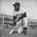 Giants Baseball Player Willy Mayes Playing Pepper at Phoenix Training Camp Lámina fotográfica prémium por Loomis Dean