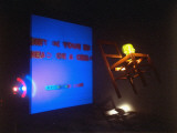 """Bruce Nauman's Installation """"Shit in Your Hat,"""" from MOMA Retrospective Premium fotoprint van Ted Thai"""