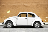 ¡Viva Mexico! Collection - White VW Beetle Car and Caramel Street Wall Reproduction photographique par Philippe Hugonnard